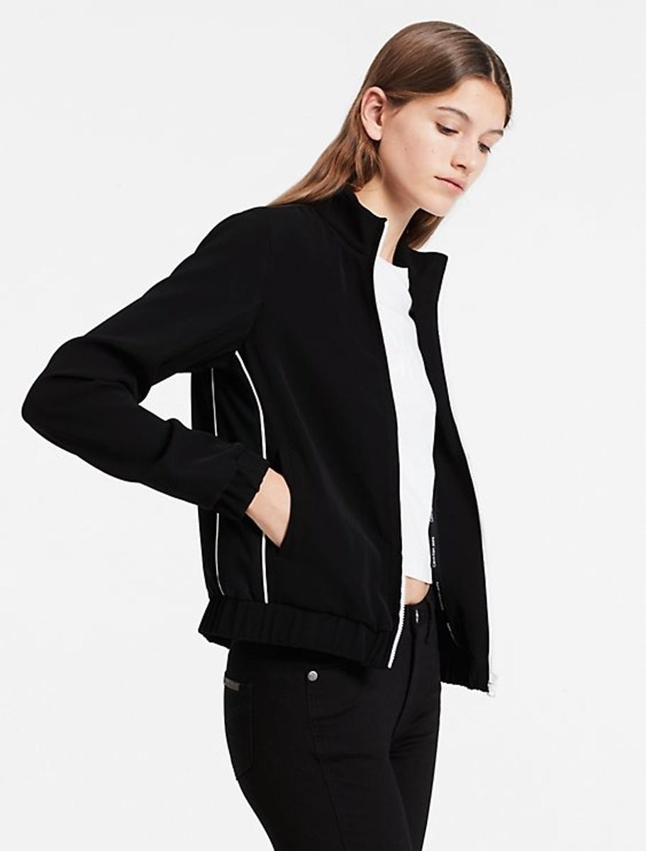 d3bd4b4315 Calvin Klein dámská černá sportovní bunda - Mode.cz