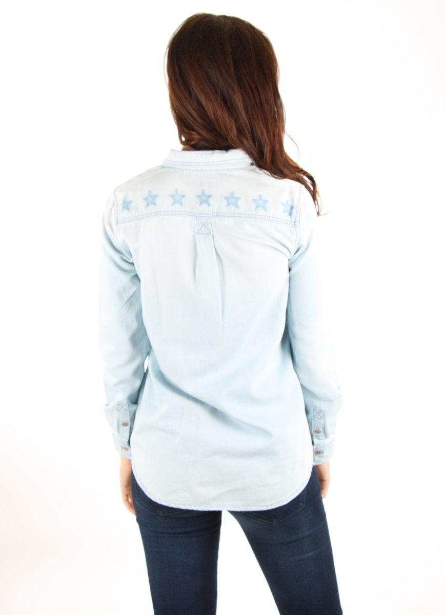 Tommy Hilfiger dámská světle modrá džínová košile - Mode.cz 6dd566d7f5