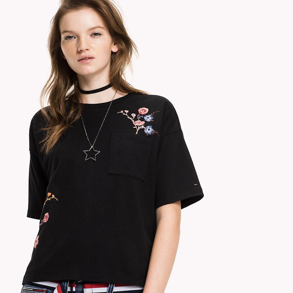 Tommy Hilfiger dámské černé tričko s kapsičkou - M (003)