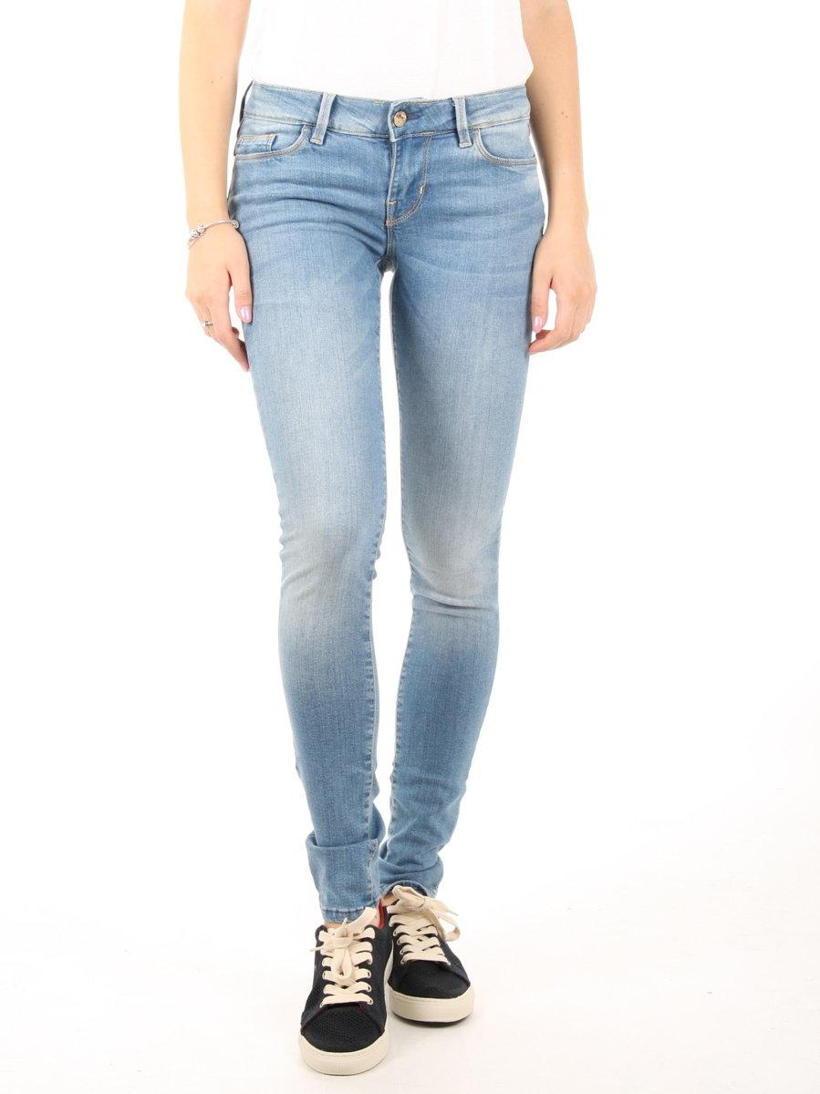 Guess dámské světle modré džíny - Mode.cz 1775058a03