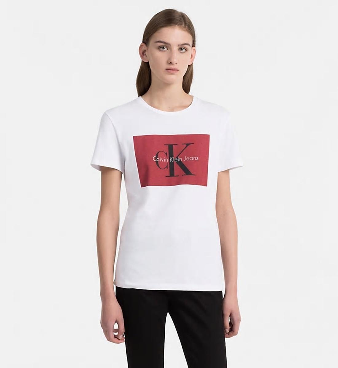 63d6e871bba1 Calvin Klein dámské bílé tričko s potiskem - Mode.cz