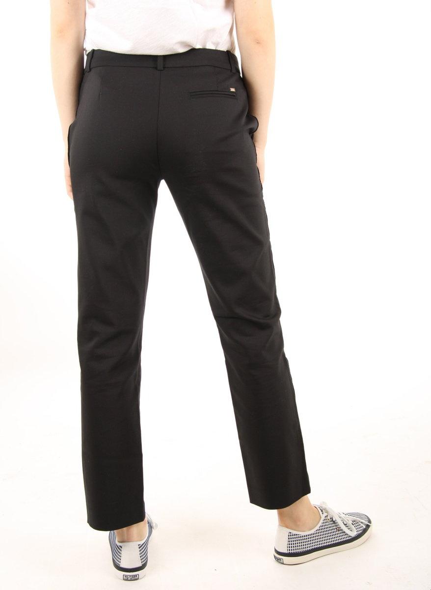 8004747fc8 Tommy Hilfiger dámské černé kalhoty Marta - Mode.cz