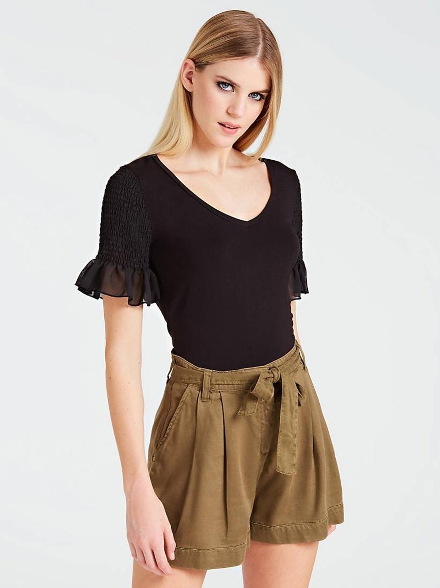 Levně Guess dámské černé tričko s volánovým rukávem
