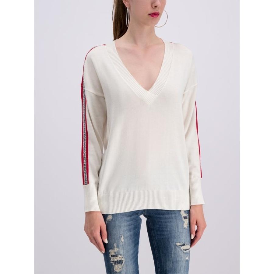 Guess dámský bílý svetr - M (TWHT)