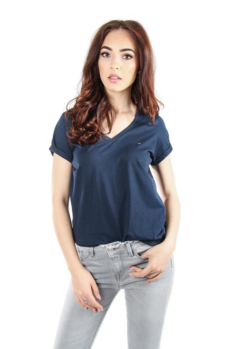 5fe180783311 Tommy Hilfiger dámské tmavě modré tričko s výstřihem do V