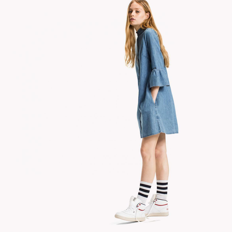 Tommy Hilfiger dámské modré džínové šaty Rufflle - Mode.cz 775921d13f