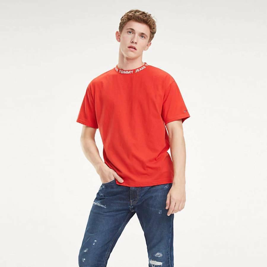 6883411df2 Tommy Hilfiger pánské červené tričko Collar - Mode.cz