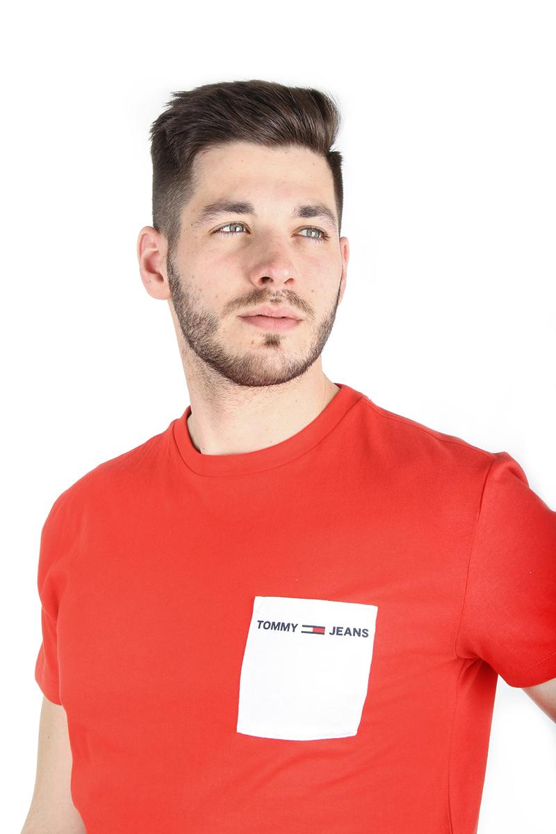 cad5f47883 Tommy Hilfiger pánské červené tričko s kapsičkou Contrast - Mode.cz
