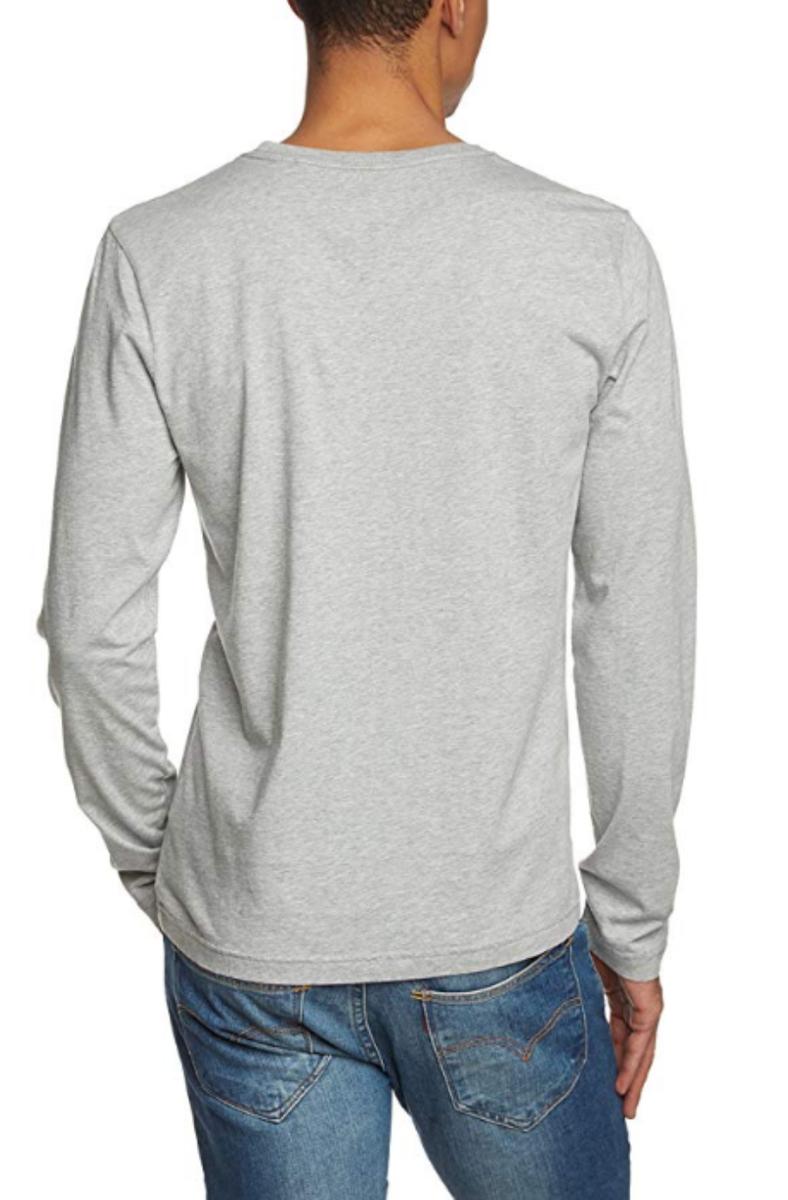 70b613fef405 Tommy Hilfiger pánské šedé tričko s výstřihem do V - Mode.cz